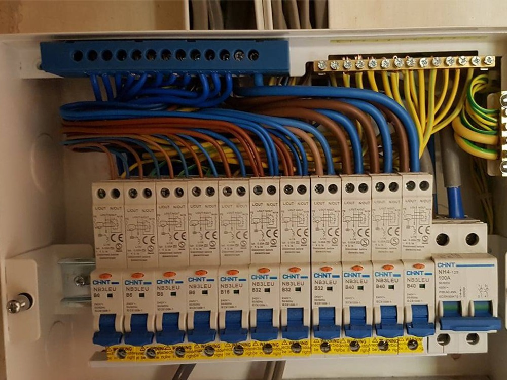 Electricians in Yarm